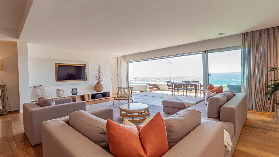 Onyx - Lounge with Views