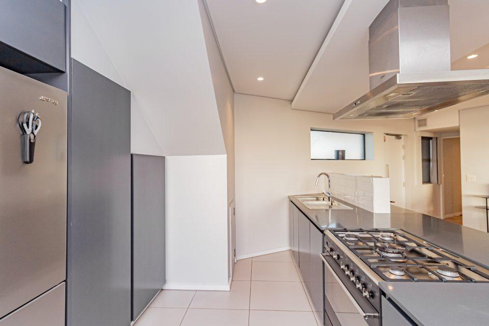 Penthouse on S - Kitchen