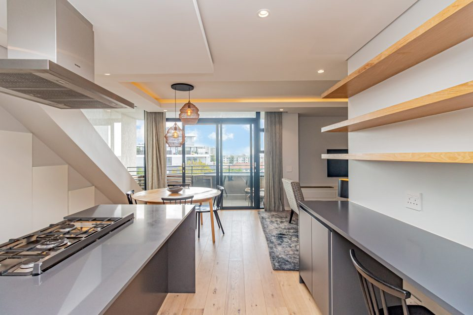 Penthouse on S - Kitchen with views