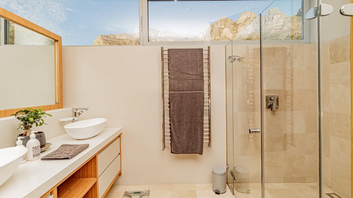 Riomar - Master Bedroom En-suite