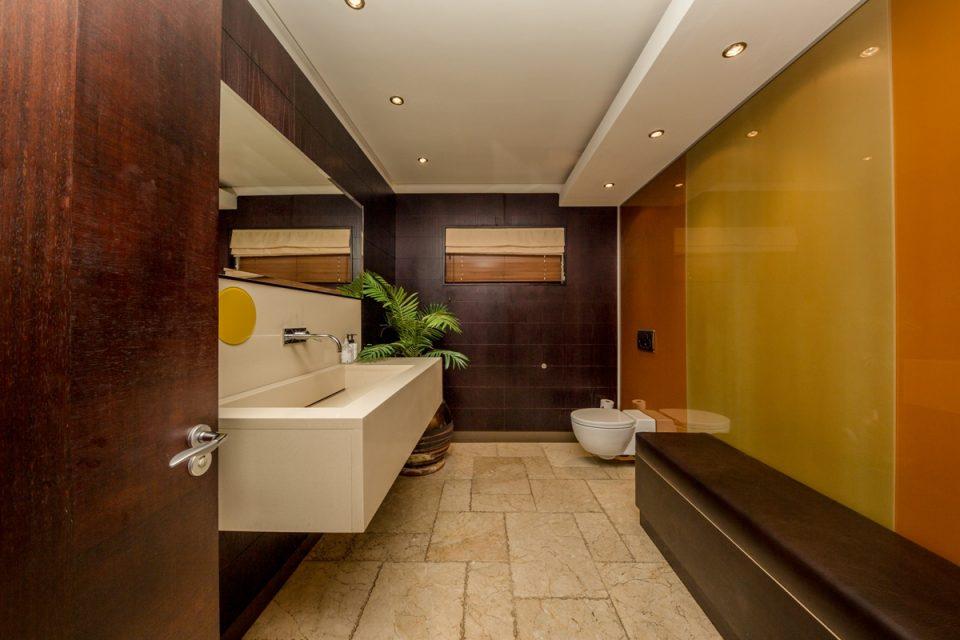 Roc Manor - Bathroom