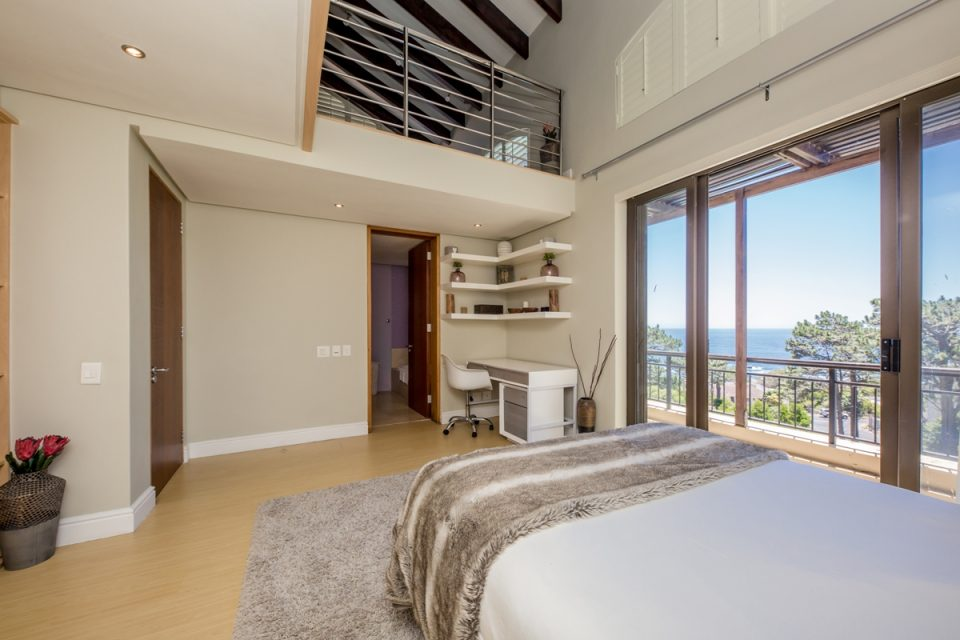 Roc Manor - Second Bedroom Views