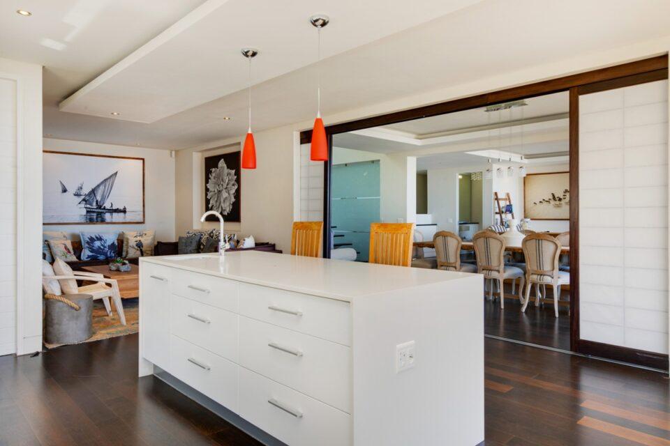 Sekoma Villa - Kitchen Dining