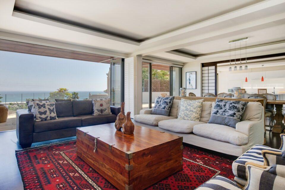 Sekoma Villa - Lounge with Views