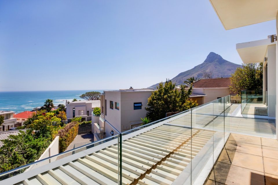 Sekoma Villa - Views of Lion's Head