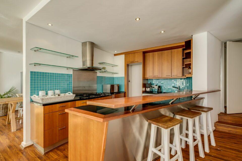 Silvertree - Cottage Kitchen Area
