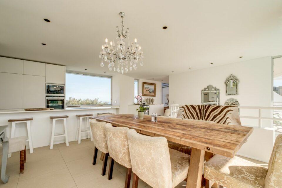 Silvertree - Indoor Dining Area