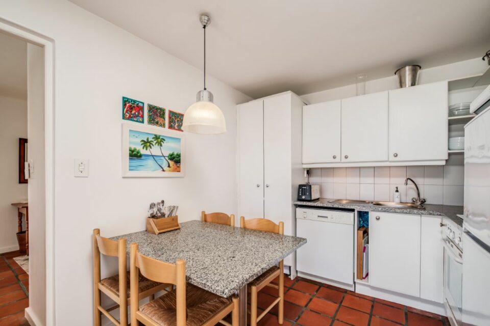 Camps Bay Terrace Palm Suite - Kitchen