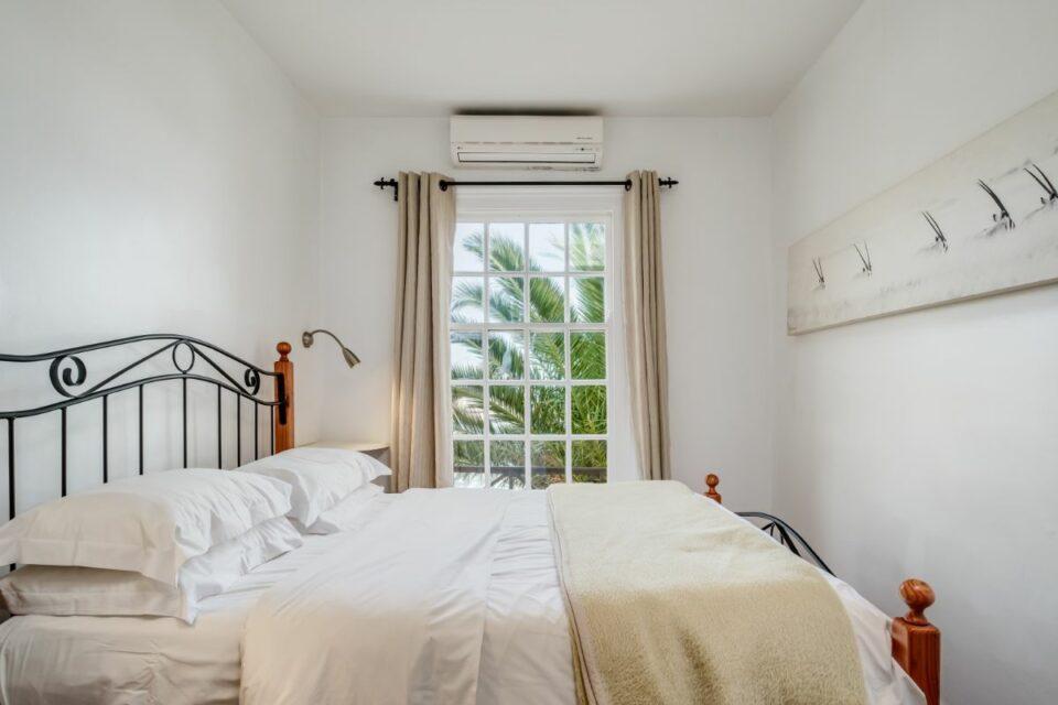 Camps Bay Terrace Palm Suite - Main Bedroom
