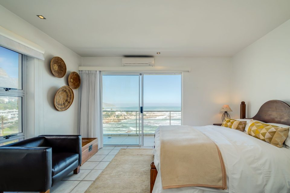 Camps Bay Terrace Penthouse - Main Bedroom with Balcony