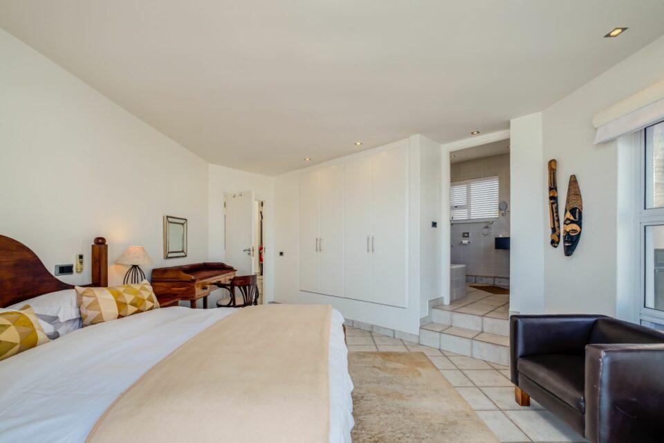 Camps Bay Terrace Penthouse - Main Bedroom with En-suite