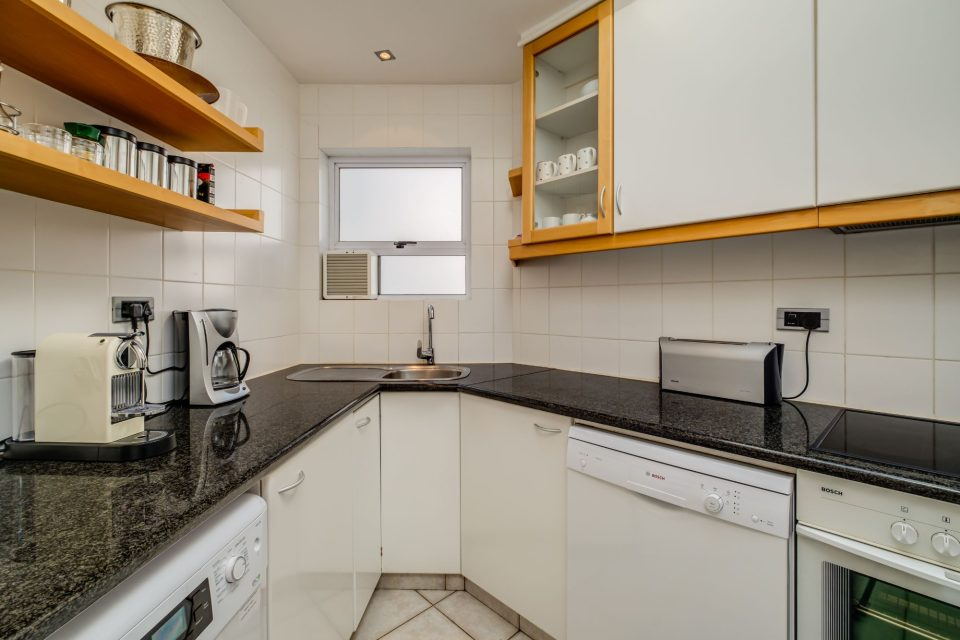 Camps Bay Terrace Penthouse - Kitchen