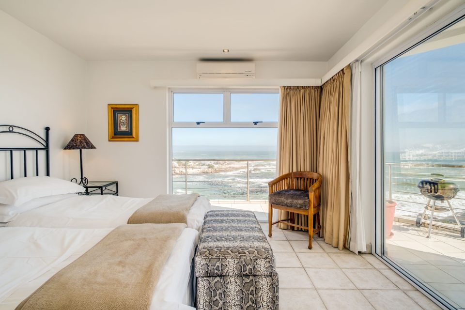 Camps Bay Terrace Penthouse - Twin Beds