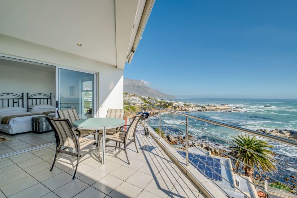 Camps Bay Terrace Penthouse - Balcony Dining