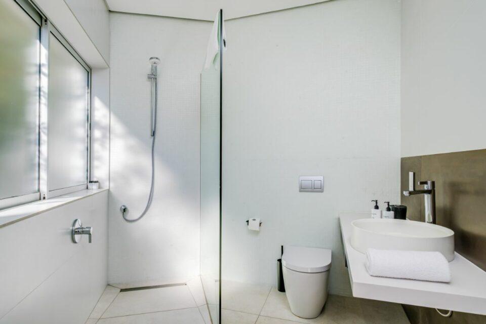Mavambo - Shared Bathroom
