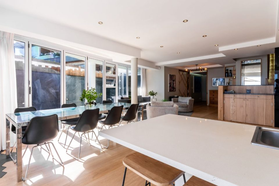 Paloma Apartment - Dining for 8
