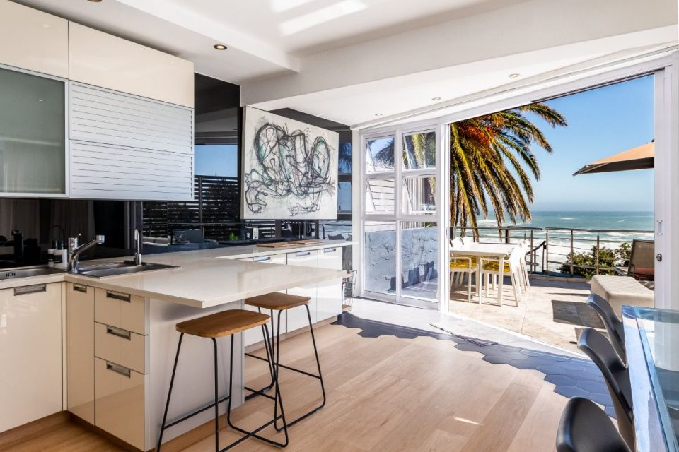 Paloma Apartment - Living Ocean Views