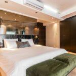Paloma Apartment - Master En-suite Bedroom