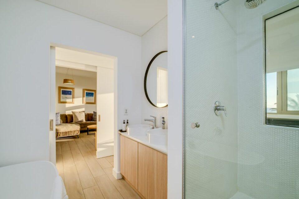 Sundowner Views - 2nd Bathroom