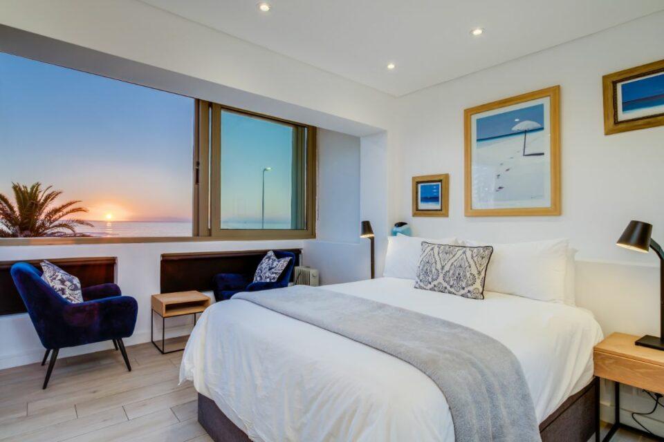 Sundowner Views - Master Bedroom