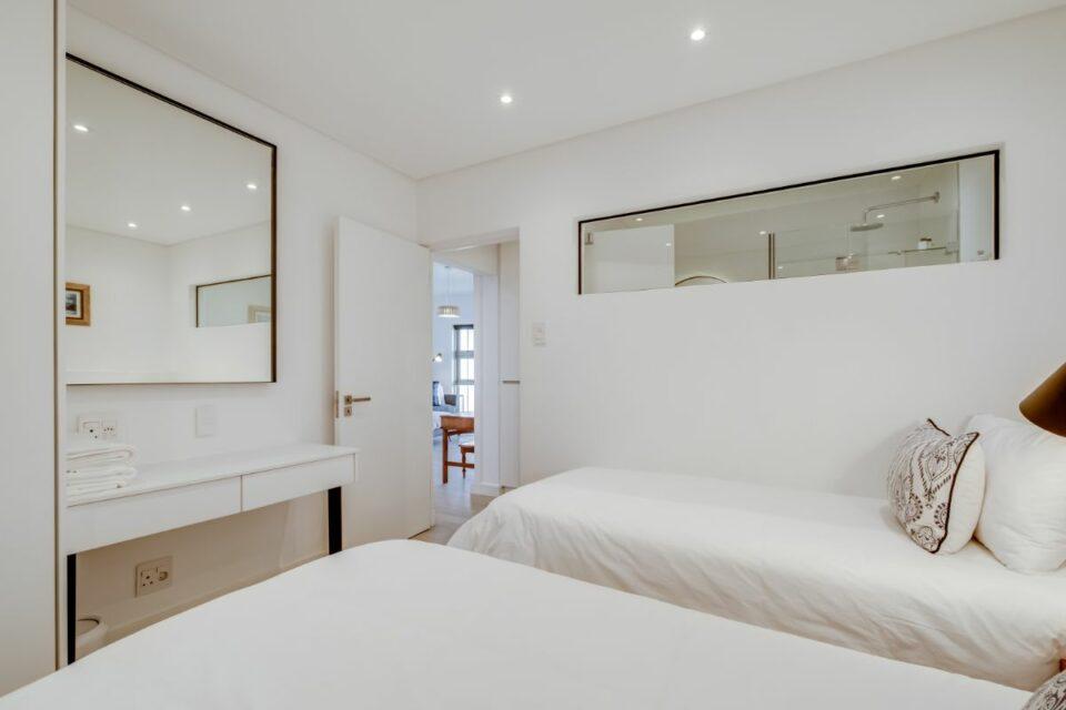 Sundowner Views - Second Bedroom