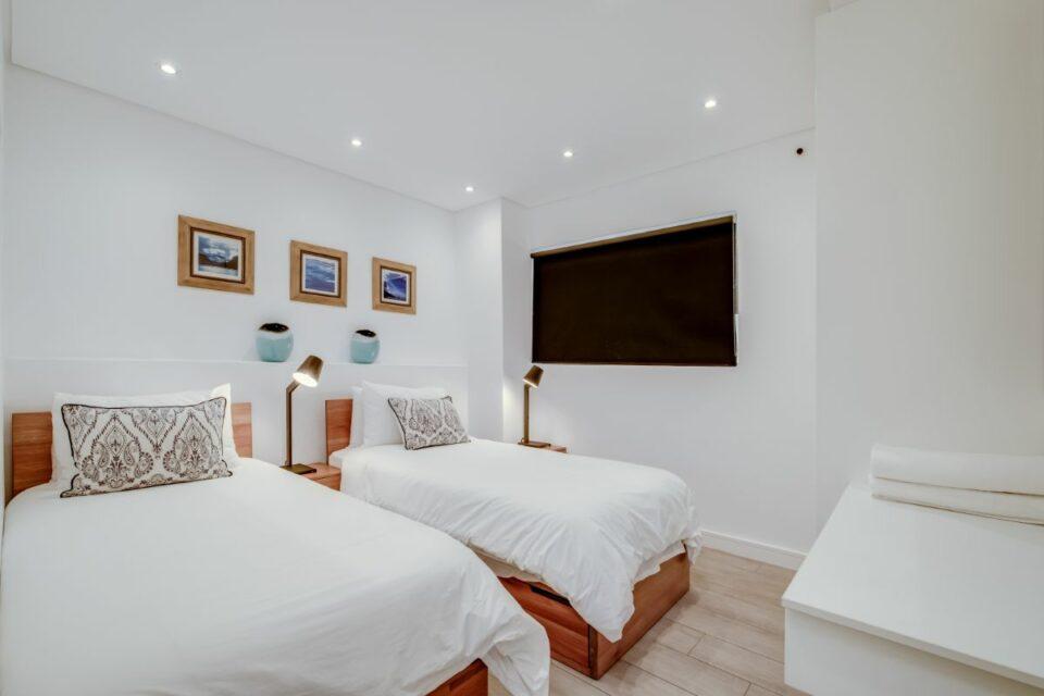 Sundowner Views - Twin Bedroom