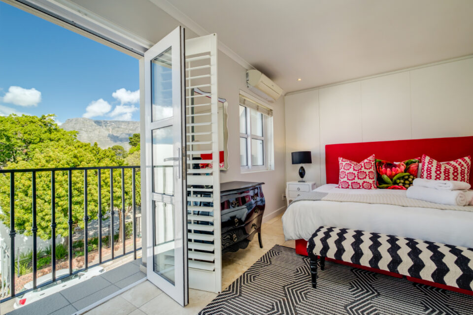 209 DWP - Master bedroom with balcony