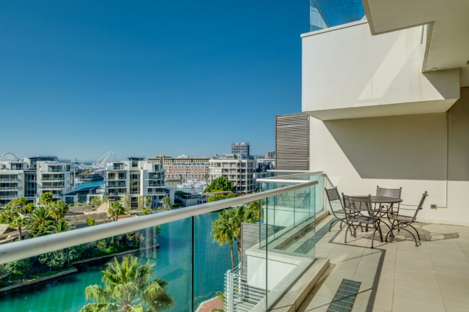 Juliette 606 - Balcony with canal views