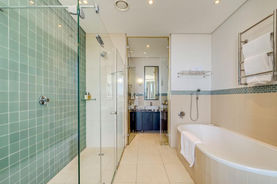 Juliette 606 - Master bathroom