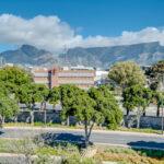 Juliette 606 - Table Mountain views