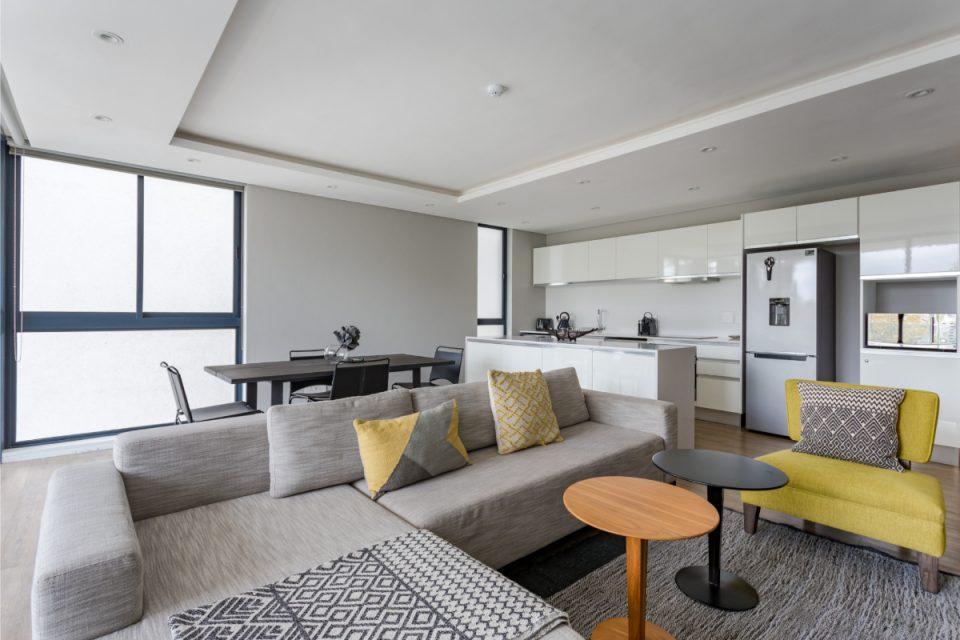 202 Warwick - Living room
