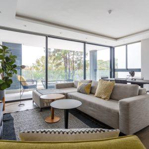 202 Warwick - Lounge