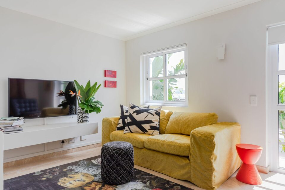 207 DWP - Living Area with TV