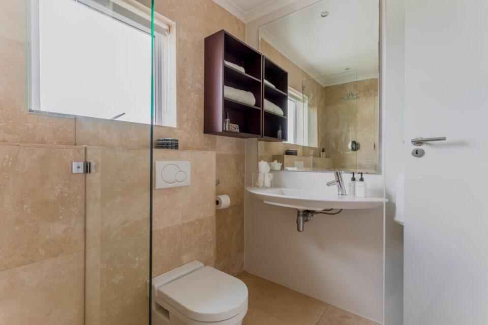 207 DWP - Shared Bathroom