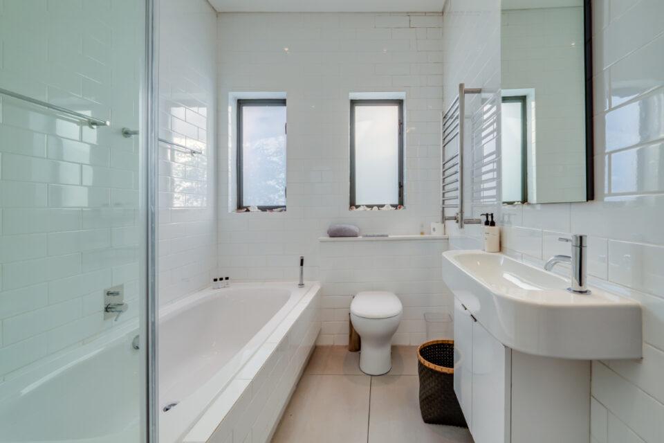 Amory - Family Bathroom
