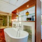 Amory - Master En-suite Bath