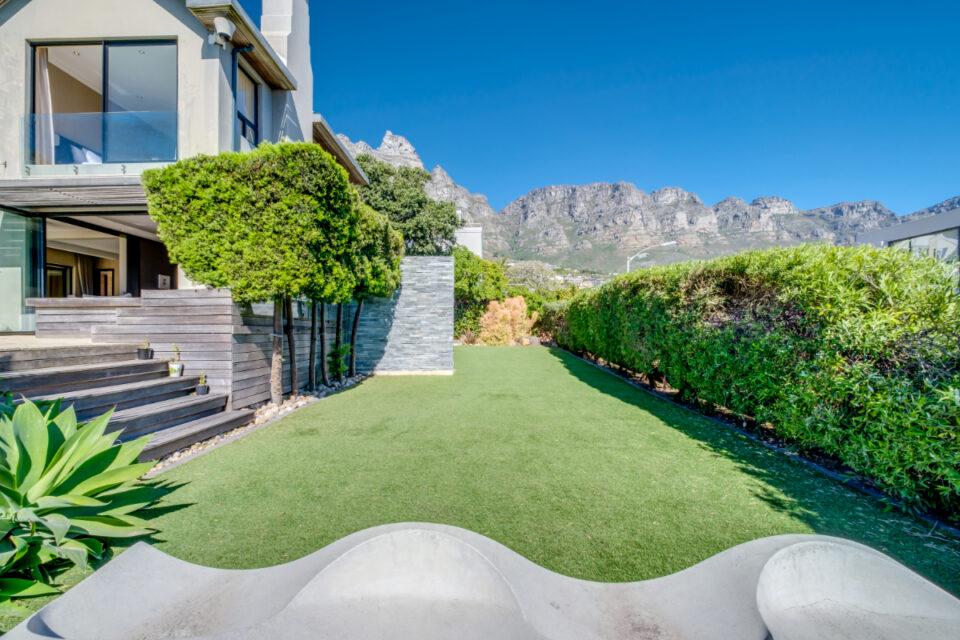 Bayon House - Garden