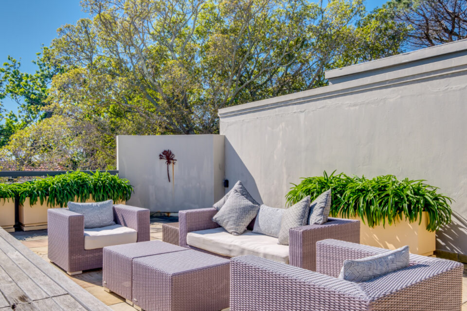 Bayon House - Outdoor lounge seating