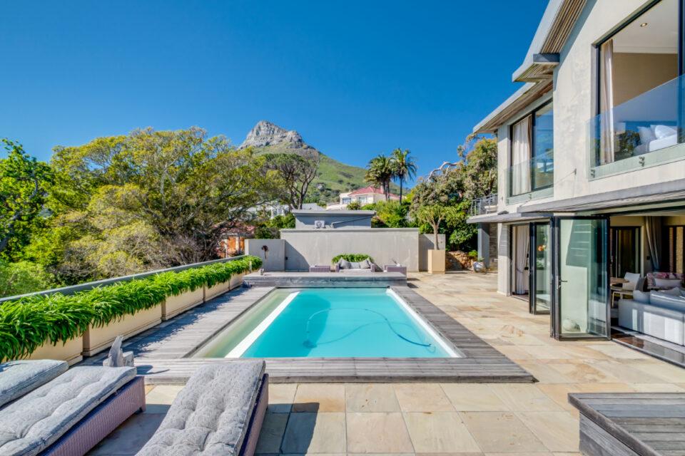 Bayon House - Swimming pool